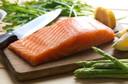 Você come peixe cru? Você sabe o que é difilobotríase ou tênia do peixe?